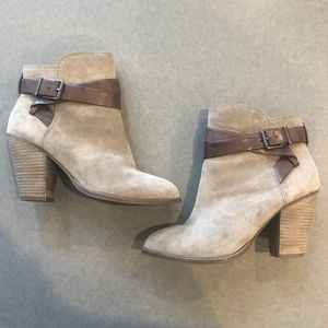 Gianni Bini Taupe Suede ankle boots